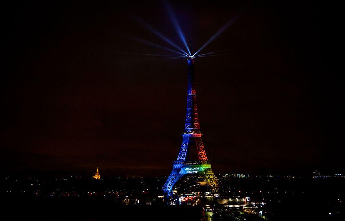La Tour Eiffel aux couleurs de Paris 2024 – ISA HARSIN/SIPA