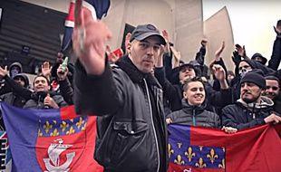 Le rappeur Jazzy Bazz dans le clip du titre Ultra Parisien.