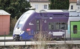 Un train TER en directinon de Grenoble (image d'illustration).
