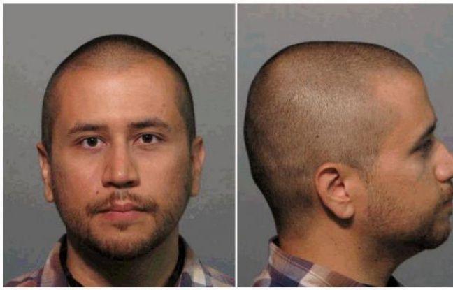 George Zimmerman, l'homme qui a tué le jeune Noir Trayvon Martin en Floride (sud-est des Etats-Unis), poursuivi pour meurtre et placé en détention mercredi, a fait jeudi sa première première apparition publique depuis les faits lors d'une comparution devant un tribunal