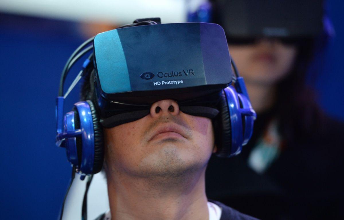 Le second prototype du casque de réalité virtuelle Oculus Rift, au CES 2014 de Las Vegas. – R.BECK/AFP