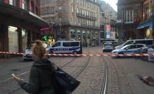 Toute la place Kléber a été évacuée vendredi pendant plus de deux heures après un appel malveillant reçu par l'Agence France Presse, située dans la Maison rouge.