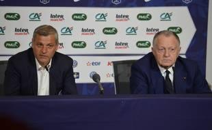 Bruno Genesio et Jean-Michel Aulas, mardi dans l'auditorium du Parc OL après l'élimination lyonnaise en Coupe de France.