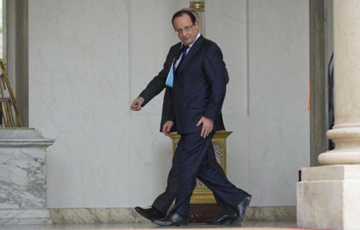 Le président François Hollande à la sortie d'un conseil des ministres, à Paris le 10 avril 2013. – PETIT TESSON-POOL/SIPA