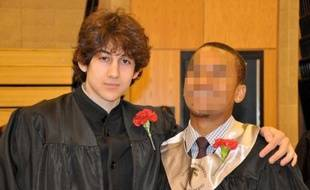 Djhokhar Tsarnaev, soupçonné d'être l'auteur, avec son frère Tamerlan, des attentats de Boston, ici lors de la remise des diplôme du lycée, en 2011.