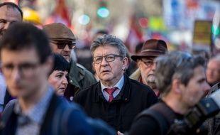Jean-Luc Mélenchon, leader de la France insoumise, lors d'une manifestation.