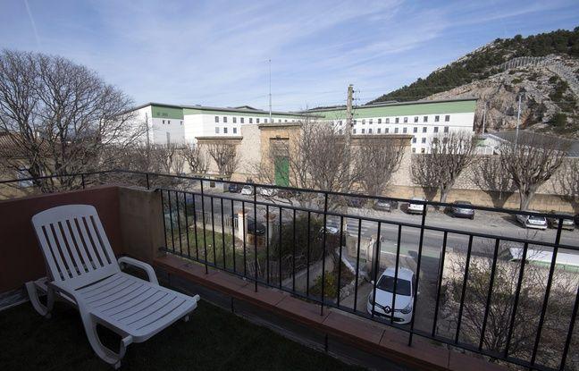 Marseille: Des fenêtres antibruit à 1.5 millions d'euros installées aux Baumettes, une mesure qui ne satisfait personne