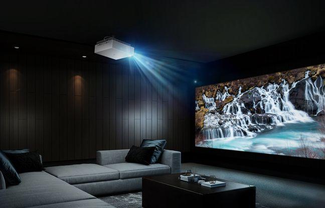 Avec son nouveau CineBeam HU810P, LG veut séduire les fans de home cinéma.