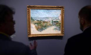 Montmartre, un tableau de Van Gogh, exposé à Arles, dans le sud de la France, le 13 mai 2016