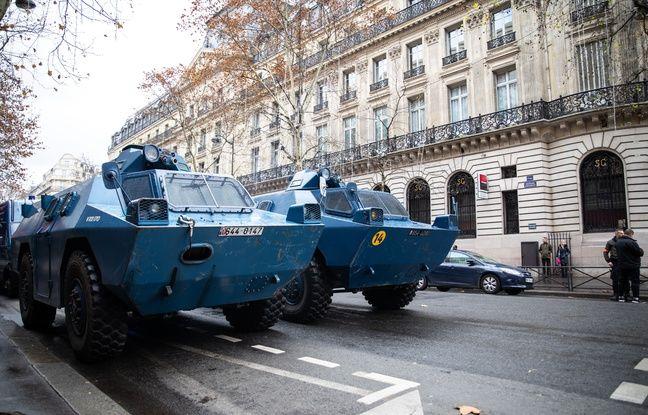 Les fameux véhicules blindés de la gendarmerie, ici à Paris le 8 décembre.