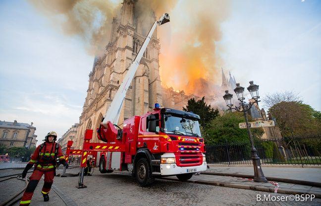 Quelque 400 pompiers ont bataillé une bonne partie de la nuit pour venir à bout de l'incendie de Notre-Dame de Paris.