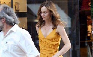 """Vanessa Paradis vue à Monaco le 20 juin 2009, alors qu'elle tourne une scène du film """"Heartbreaker"""", de Pascal Chaumeil"""