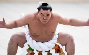 [Jeu] Association d'images - Page 17 310x190_yokozuna-grand-champion-mongol-harumafuji