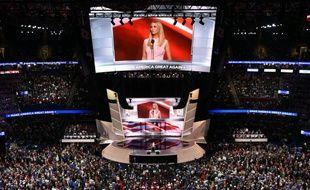 Ivanka Trump s'adresse à la foule des délégués lors de la convention républicaine, le 21 juillet 2016 à Cleveland