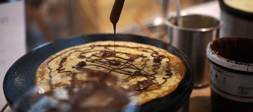 Une crêpe au chocolat. (Illustration)