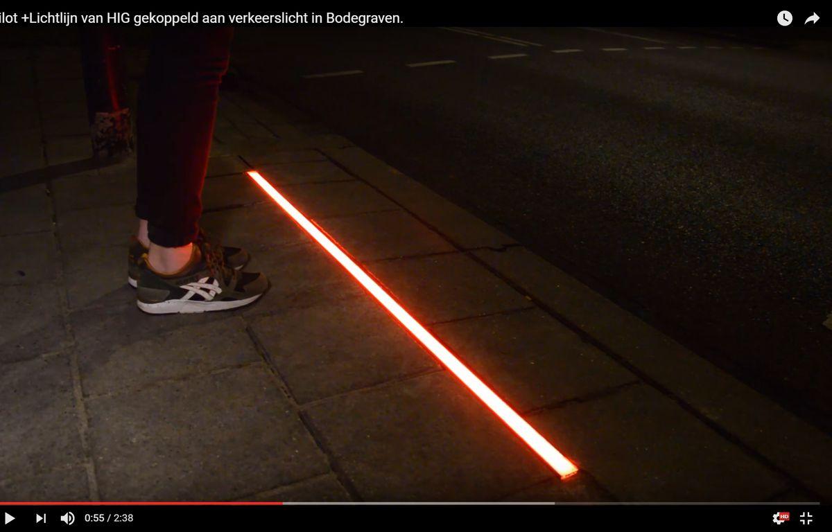 Un passage piétons pour les accros du smartphone – Screenshot Youtube.com