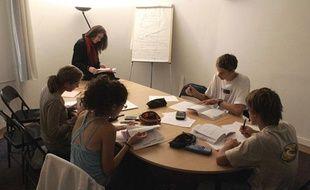 Certainscours collectifs Acadomia étaient dirigés par des enseignants auto-entrepreneurs