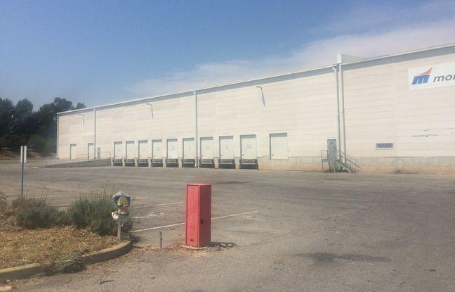 L'entrepôt récupéré par France Télévisions, à Vendargues, pour tourner une série.
