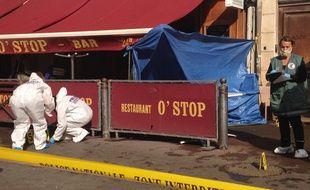 La police scientifique devant le O'Stop.