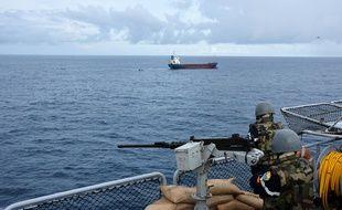 La Marine nationale a saisi six tonnes de cocaïne à bord d'un cargo le 21 mars 2021 au large du golfe de Guinée.
