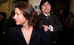 """Le sénateur Jean-Vincent Placé (EELV) a estimé jeudi que les écologistes en avaient """"trop fait"""" dernièrement en """"donnant une image de chasse aux portefeuilles"""" ministériels."""