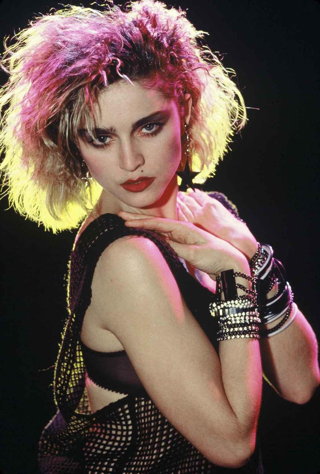 Madonna - Seance de pose. ETATS UNIS - 1986.