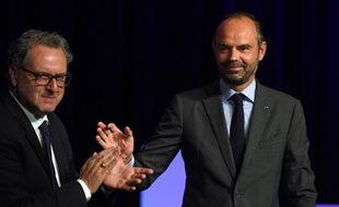 Richard Ferrand et Edouard Philippe à Tours devant les députés macronistes le 11 septembre 2018.