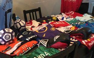 Les Ch'tis Collecteurs ont déjà récupéré une soixantaine de maillots depuis un an et demi