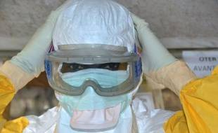 """Des tenues sanitaires de protection, """"en nombre limité"""", ont été volées cette semaine dans un local de l'hôpital Necker à Paris"""