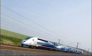Le TGV a pulvérisé mardi le record du monde de vitesse sur rail, en atteignant 574,8 km/h sur la ligne à grande vitesse est-européenne, selon le record homologué par les huissiers.