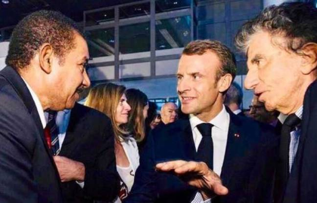 Mohamed Ayachi Ajroudi during a meeting with Emmanuel Macron and Jack Lang.