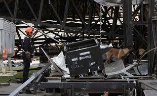 Le 16 juillet 2009, une partie du toit de la scène de Madonna s'est effondrée au stade Vélodrome de Marseille.
