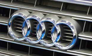 Illustration du logo du constructeur d'automobiles allemand, Audi.