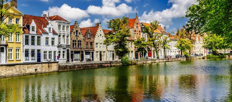 Bruges est une destination de rêve pour les jeunes mariés en lune de miel comme pour les esthètes.