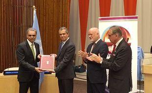 L'ambassadeur de l'Inde à l'ONU Syed Akbaruddin (gauche) au siège des Nations unies à New York, le dimanche 2 octobre.