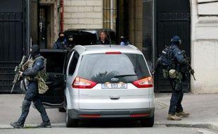 Le convoi transportant Salah Abdeslam à son arrivée le 20 mai 2016 au palais de justice à Paris