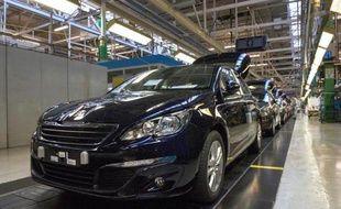 Une Peugeot 308 dans l'usine de Sochaux