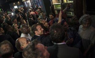 Emmanuel Macron à son arrivée au Shrine, un club de musique à Lagos, au Nigeria, le 3 juillet 2018.