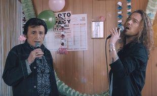 Dick Rivers et Julien Doré dans le clip d'«Africa».
