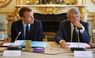 Emmanuel Macron et Jean-Louis Borloo, avant la remise du rapport de ce dernier sur les banlieues.