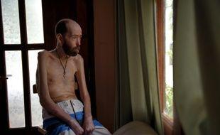 Fabian Tomasi a accepté d'être pris en photo pour dénoncer les ravages du glyphosate, le 7 juillet dernier.