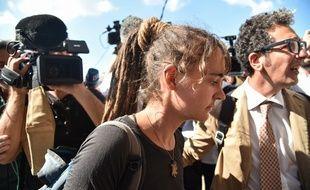 La capitaine du navire Sea-Watch 3 Carola Rackete, à son arrivée au tribunal d'Agrigento, en Sicile, où elle doit être entendue par un magistrat, le 18 juillet 2019.