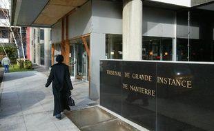 Quatre jeunes des Mureaux (Yvelines) condamnés en appel à des peines de 14 à 15 ans de prison pour le meurtre d'un automobiliste en 2010 sous les yeux de sa famille