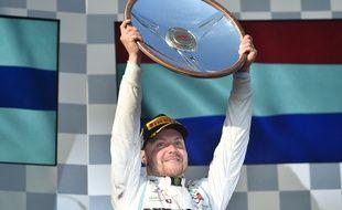 Le Finlandais Bottas s'impose pour le premier Grand Prix de la saison en Australie.
