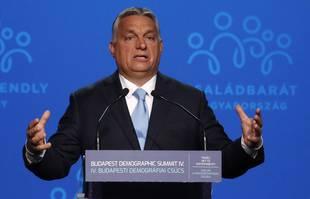 """Le Premier ministre hongrois Viktor Orban prononce un discours lors du 4e """"demographic summit"""", à Budapest en Hongrie, le 23 septembre 2021."""