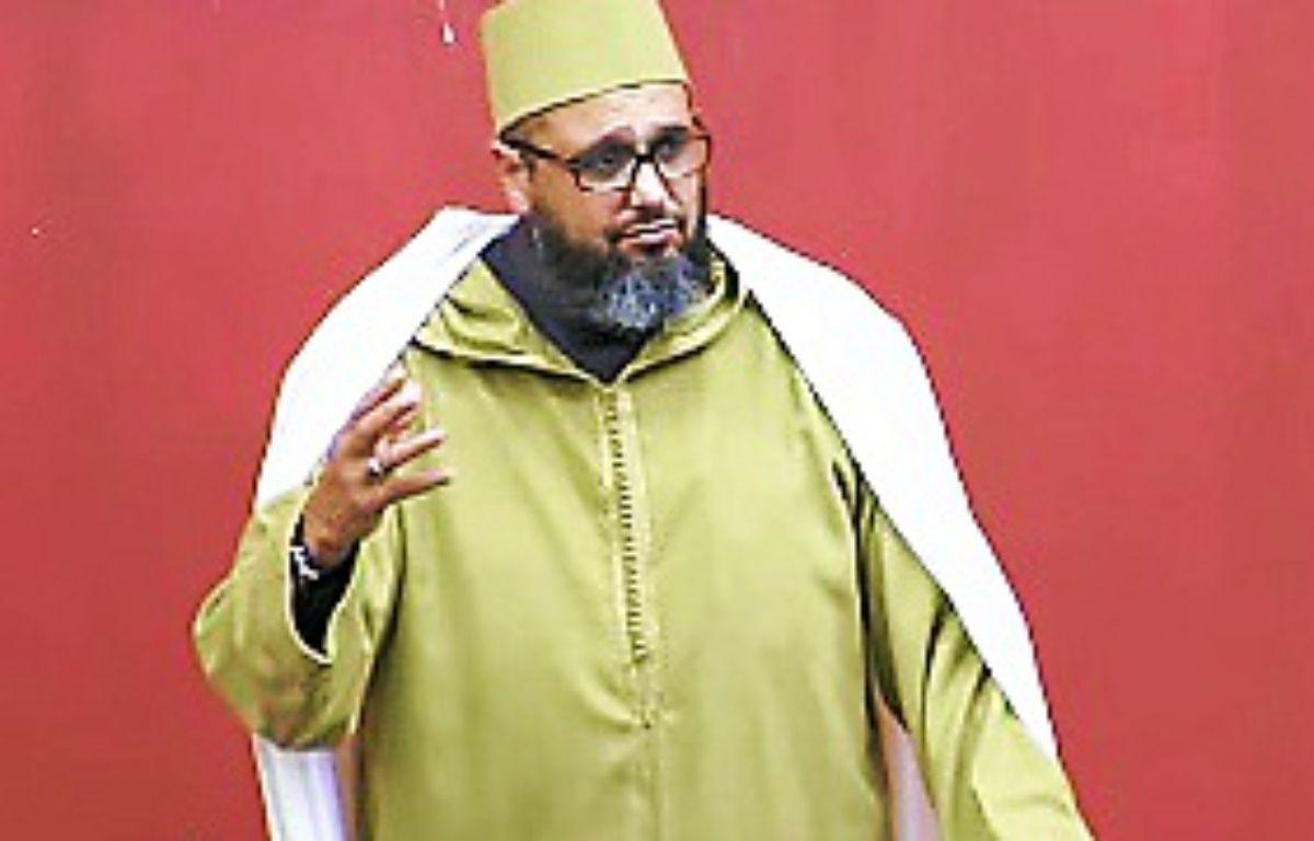 L'imam de Montpellier, Mohamed Khattabi, dans une vidéo sur YouTube. –