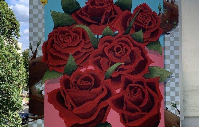Les roses de la fresque murale de Dingo Loco à Villeneuve-Saint-Georges