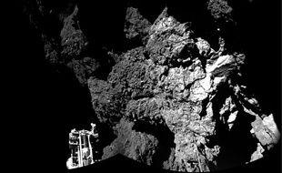 Première photo prise par le robot Philae de la surface de la comète «Choury», envoyée sur Terre le 13 novembre