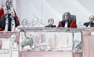 Un homme déjà condamné à deux reprises pour viol avec violence et tentatives de viol a comparu mercredi pour la troisième fois devant une cour d'assises, à Pontoise (Val-d'Oise), pour le viol d'une jeune femme de 19 ans à Cergy durant l'été 2010.