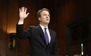 Brett Kavanaugh prête serment avant son audition devant le Sénat le 27 septembre 2018.